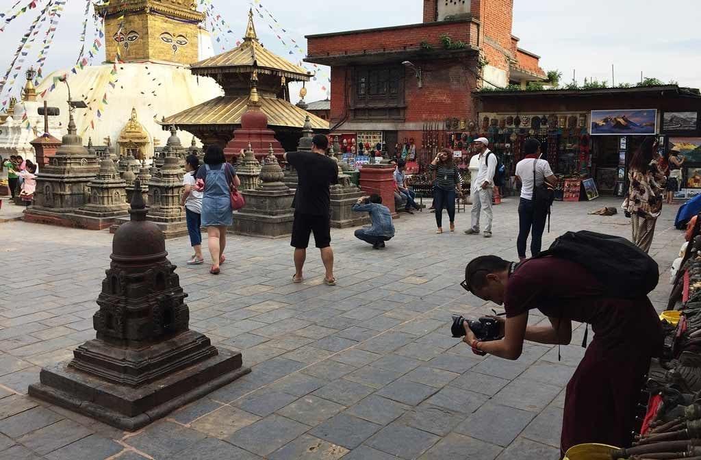 Swayambhu_monk_2
