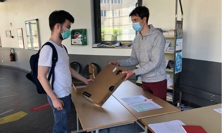 Students from the Foundation of the University of Strasbourg in France were among the recipients of Lenovo notebook donations